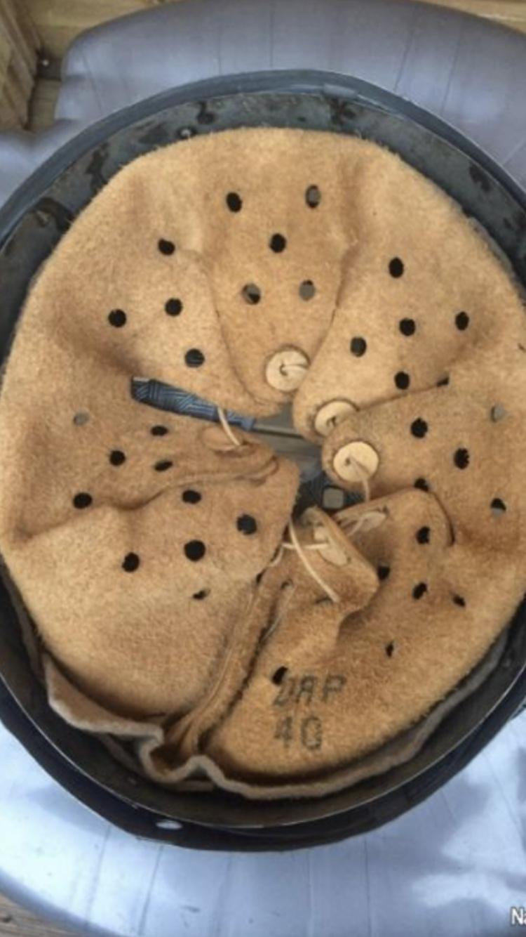 Coiffe casque allemand. B9a8b110