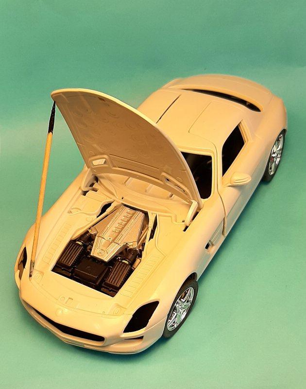 Mercedes-Benz SLS AMG, Revell, 1/24 (07100) Comp1568