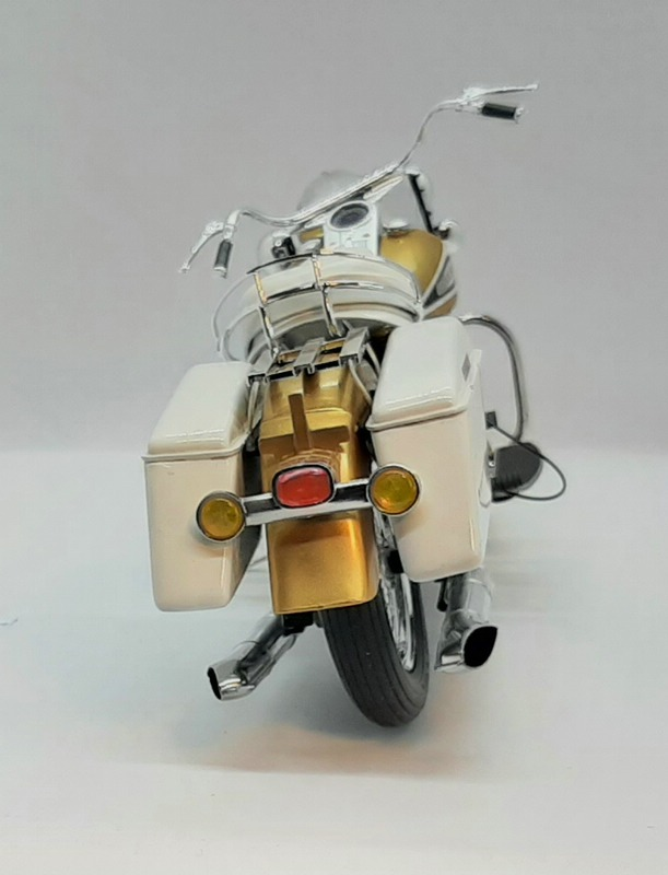 US Touring Bike Revell 1/8 (07937) Comp1651