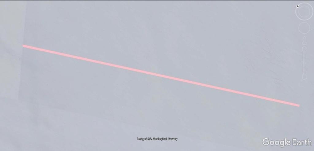 Antarctique : lignes de couleurs au sol [C'est quoi ?] Jhg17