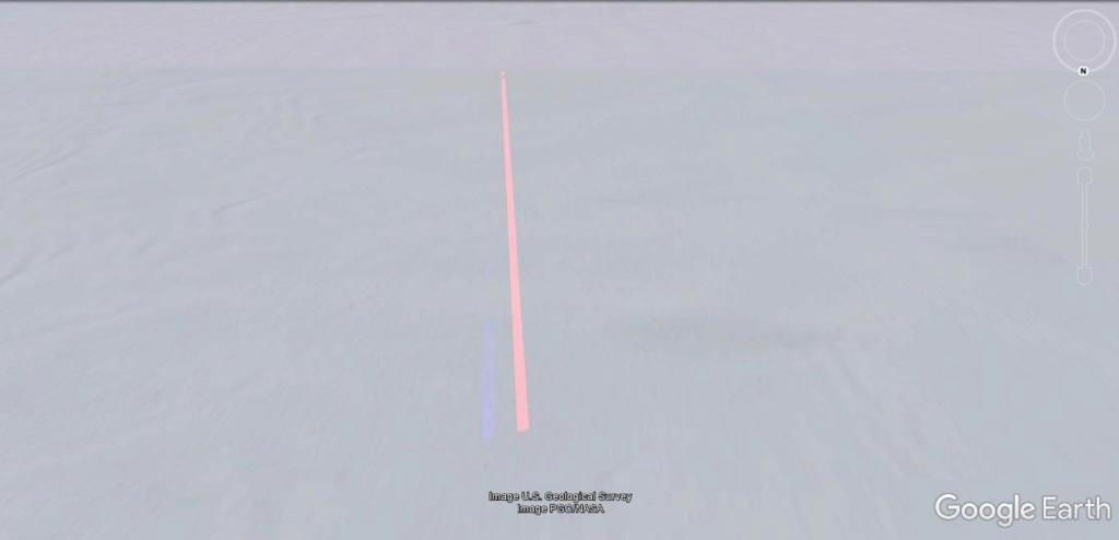 Antarctique : lignes de couleurs au sol [C'est quoi ?] Jhg19