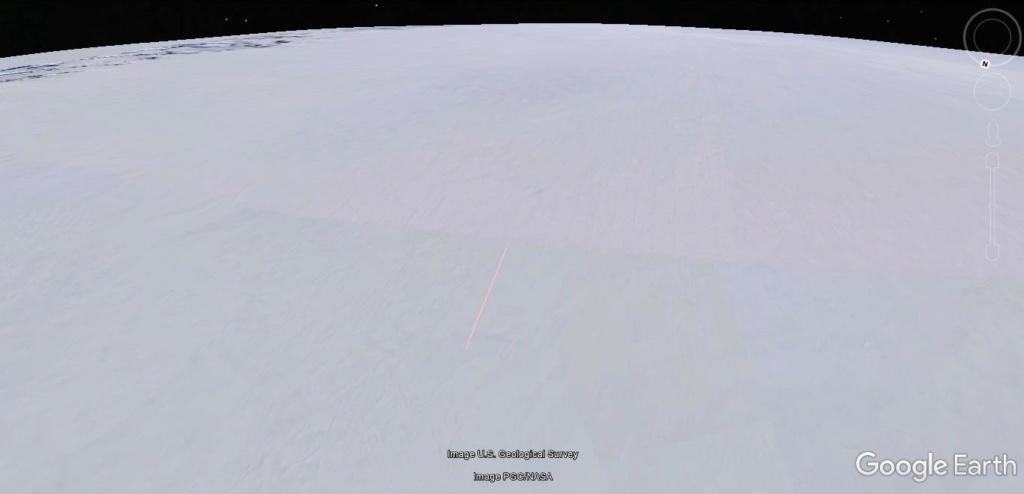 Antarctique : lignes de couleurs au sol [C'est quoi ?] Jhg21