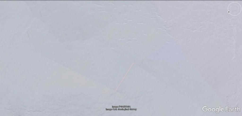 Antarctique : lignes de couleurs au sol [C'est quoi ?] Jhg22