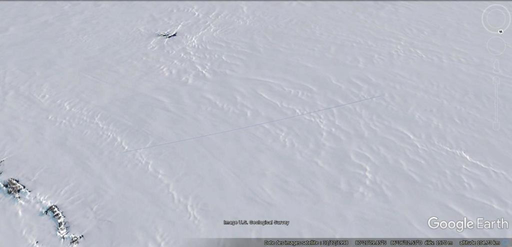 Antarctique : lignes de couleurs au sol [C'est quoi ?] Jhg49