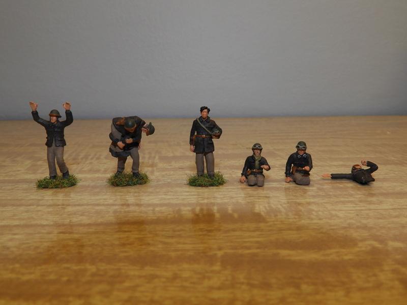 Quelle tenue pour les équipages de chars Somua et Hotchkiss Dscn0612