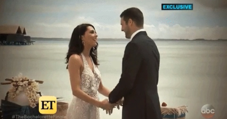 Bachelorette 14 - Becca Kufrin - Garrett Yrigoyen - Vids Media SM - FAN Forum - NO Discussion Cc111e10