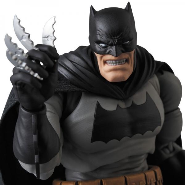 MAFEX Batman - Batman (The Dark Knight Returns)  15639418