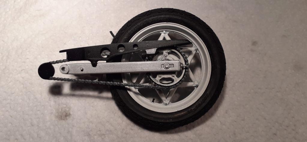 [TAMIYA] HONDA CBR 400F Endurance 1/12ème Réf 14039 - Page 2 Honda102