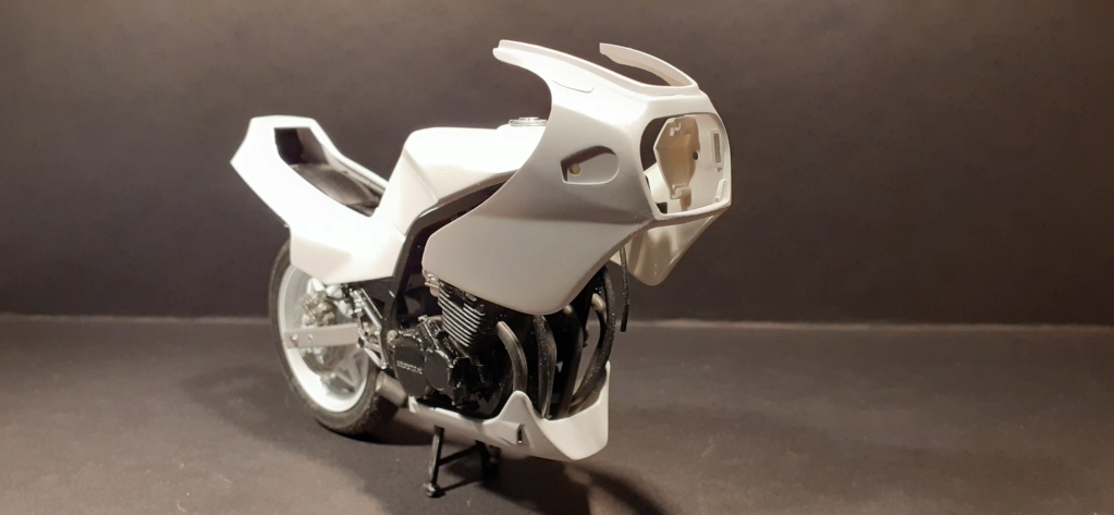 [TAMIYA] HONDA CBR 400F Endurance 1/12ème Réf 14039 - Page 3 Honda145