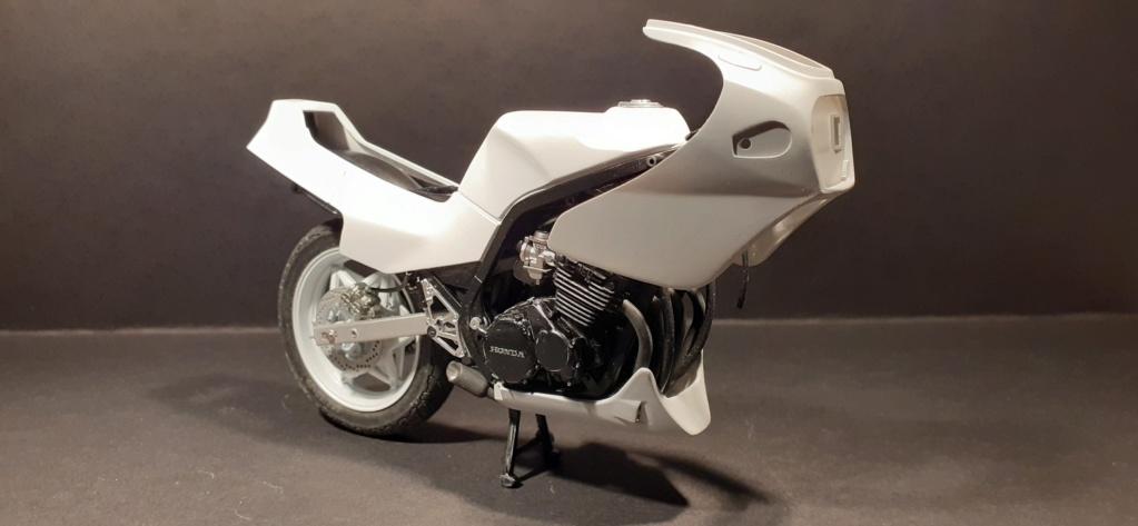 [TAMIYA] HONDA CBR 400F Endurance 1/12ème Réf 14039 - Page 3 Honda146