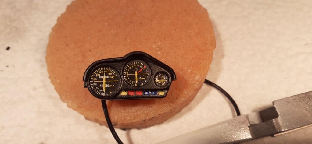 [TAMIYA] HONDA CBR 400F Endurance  1/12ème Réf 14039 - Page 4 Honda183