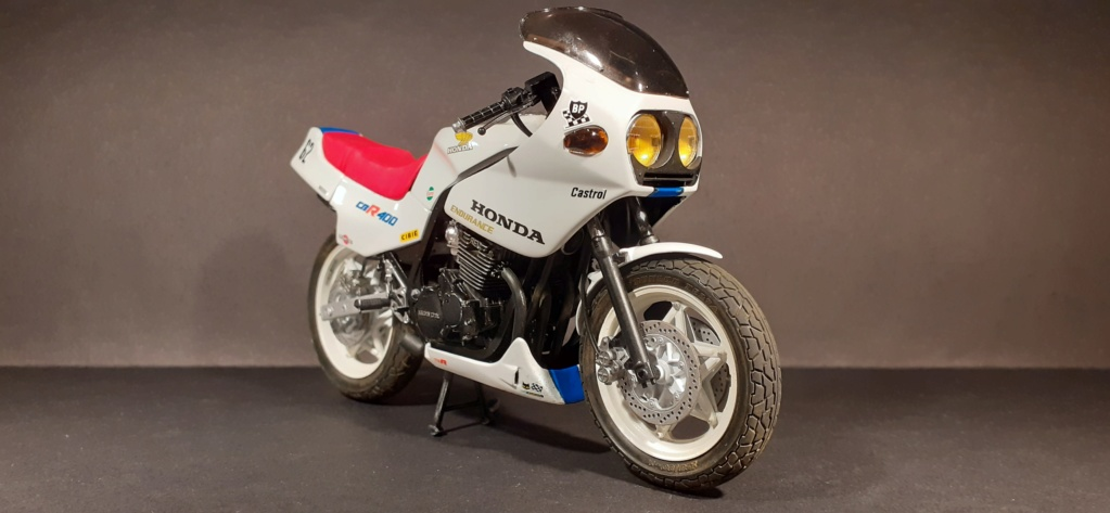 [TAMIYA] HONDA CBR 400F Endurance  1/12ème Réf 14039 - Page 4 Honda189