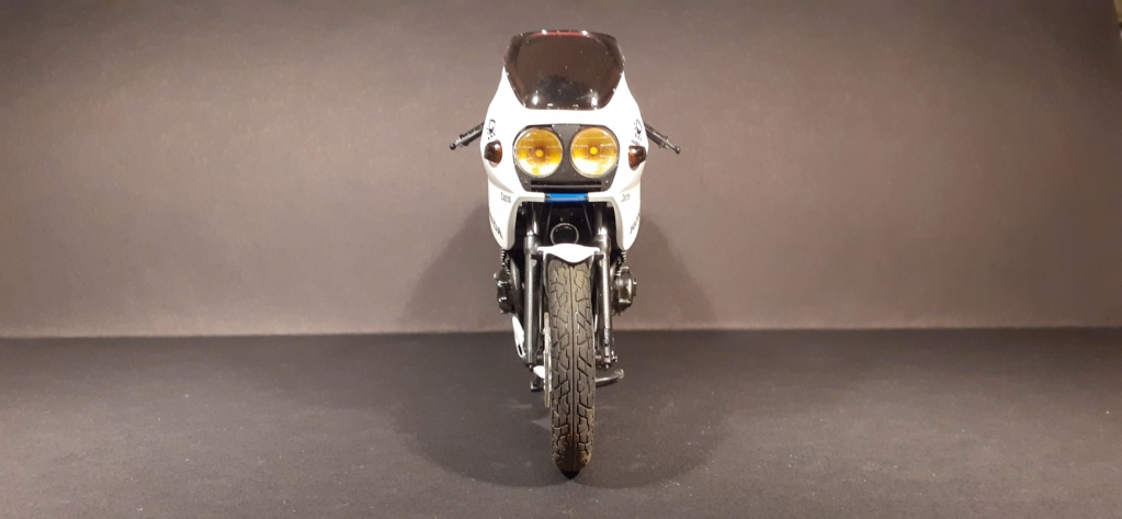 [TAMIYA] HONDA CBR 400F Endurance  1/12ème Réf 14039 - Page 4 Honda192