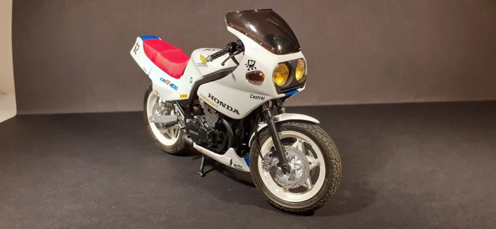 [TAMIYA] HONDA CBR 400F Endurance  1/12ème Réf 14039 - Page 4 Honda195