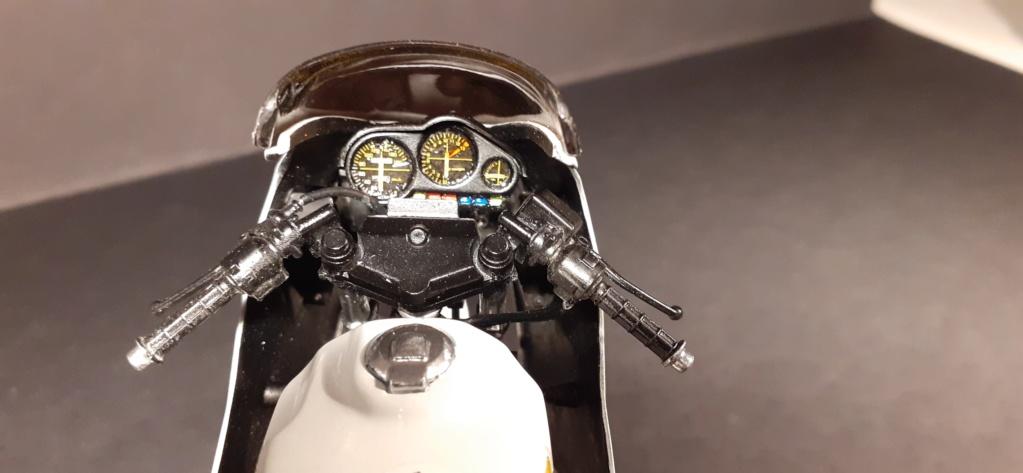 [TAMIYA] HONDA CBR 400F Endurance  1/12ème Réf 14039 - Page 4 Honda196