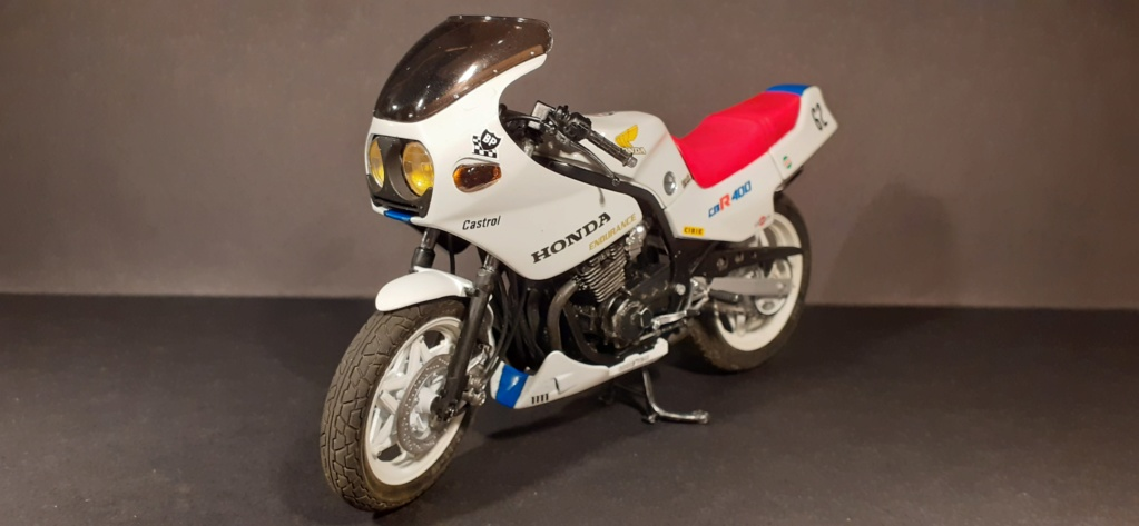 [TAMIYA] HONDA CBR 400F Endurance  1/12ème Réf 14039 - Page 4 Honda197