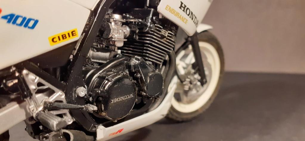 [TAMIYA] HONDA CBR 400F Endurance  1/12ème Réf 14039 - Page 4 Honda200