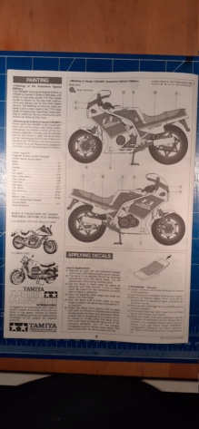 [TAMIYA] HONDA CBR 400F Endurance  1/12ème Réf 14039 Honda_24