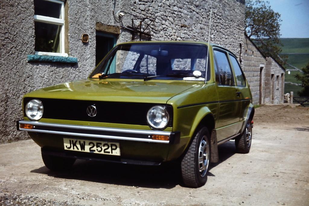 Car Nostalgia - Page 3 Pict0310