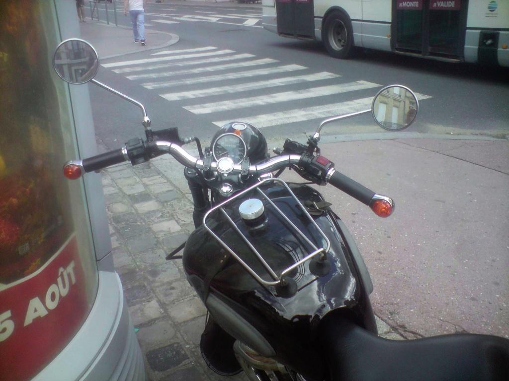 Moto Motobecane ?(vu dans la rue) P0808133