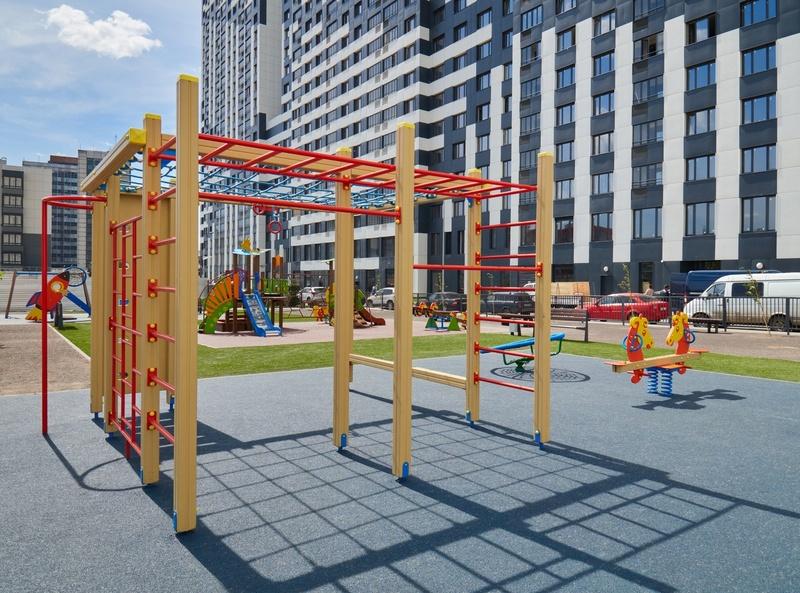 Фото-видеообзоры благоустройства придомовой территории - первая детская площадка и аллея с мини ботаническим садом Letniy11