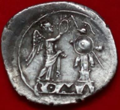 Victoriato republicano Anónimo. ROMA incusa 216