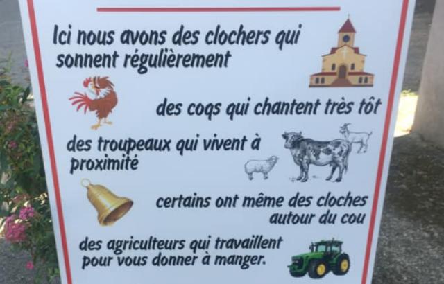 Ces vacanciers des villes qui veulent faire taire les coqs, les cloches où les vaches pendant leur séjour à la campagne - Vidéo - Page 2 640x4110