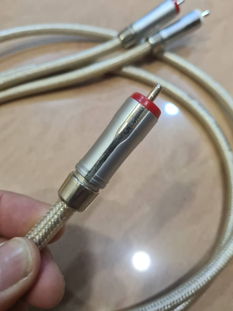 QED Signature 40 RCA Interconnect Whats122
