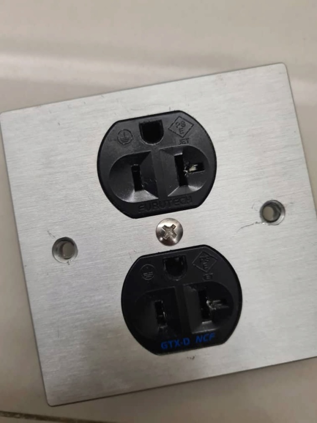 Furutech GTX-D NCF(R)  AC Receptacle (US) (SOLD) Whats209