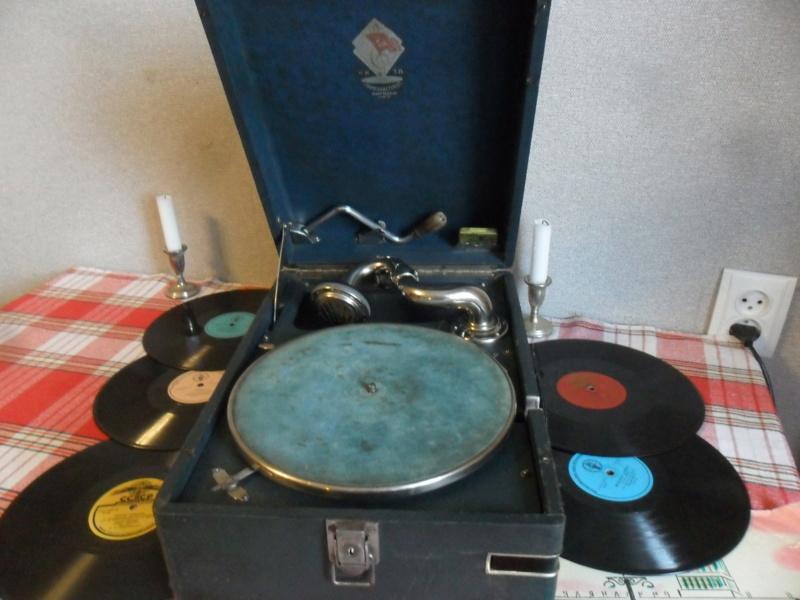 Продаю патефон ПТ-3 Ленинградского завода, год выпуска- не позднее1937 г. Sam_4318