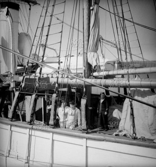 3-Mâts barque Pourquoi Pas? 1908 - 2) Gréement (Billing Boats 1/75°) par Yves31 - Page 21 1069_c10