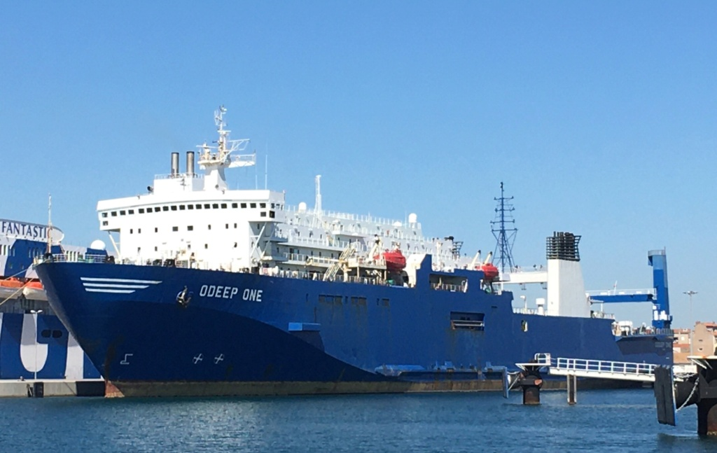 Odeep One : navire pêcheur d'eau D0ae9a10