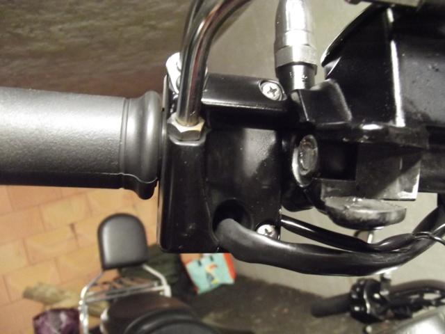 900 VN - Feu stop ne fonctionne plus sur  levier  de frein. Dscf0314