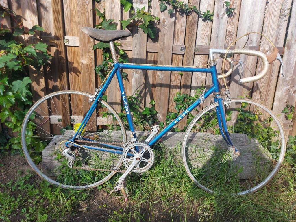 Stock ancien vélociste Motobecane 20210527