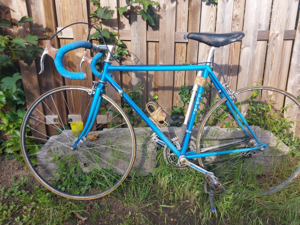 Stock ancien vélociste Motobecane 20210534