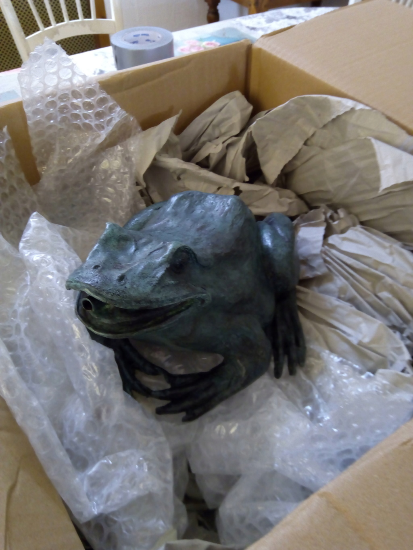 Repatiner un bronze neuf de jardin (grenouille) Img_2010