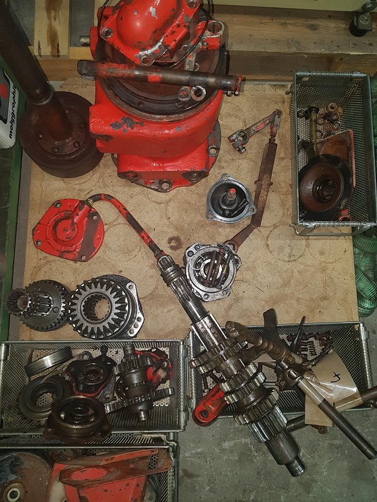 restauration - Restauration d'un AVTO . Pieces10