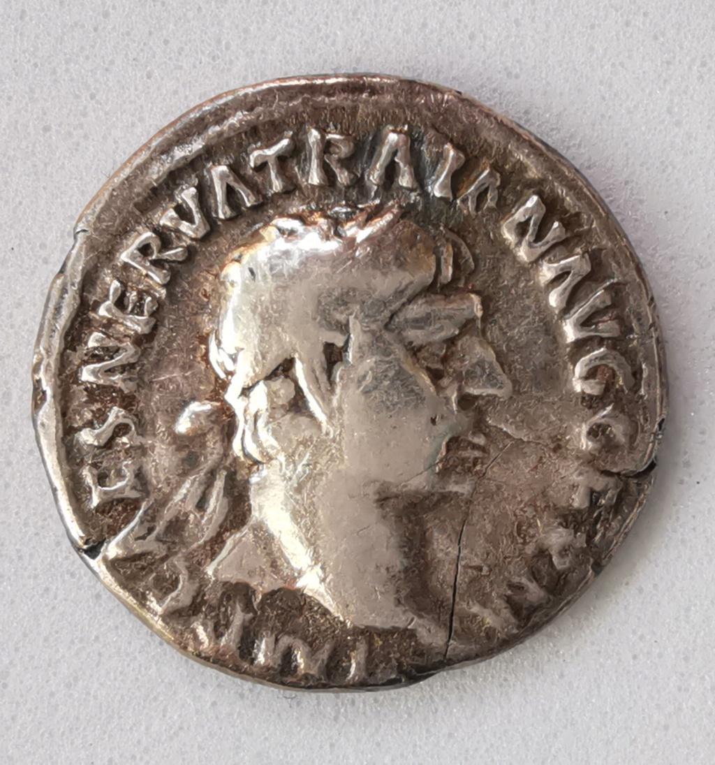 Denario de Trajano. P M TR P COS IIII P P. Marte hacia la derecha con lanza. Roma Img_2101