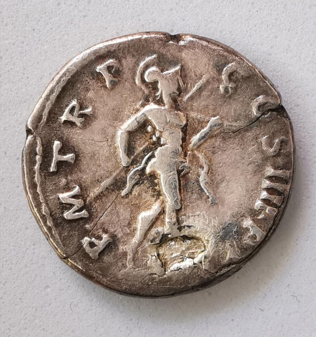 Denario de Trajano. P M TR P COS IIII P P. Marte hacia la derecha con lanza. Roma Img_2102
