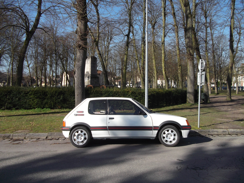 [60] 205 GTI 1L9 - 130cv -  AM87 - Blanc Meije 205_gt61