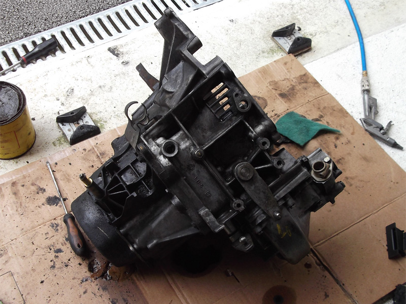 [60] 205 GTI 1L9 - 130cv -  AM87 - Blanc Meije - Page 2 205_gt92