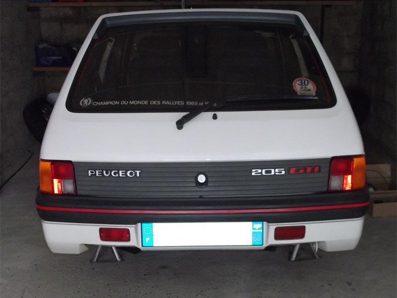 [60] 205 GTI 1L9 - 130cv -  AM87 - Blanc Meije 81297610