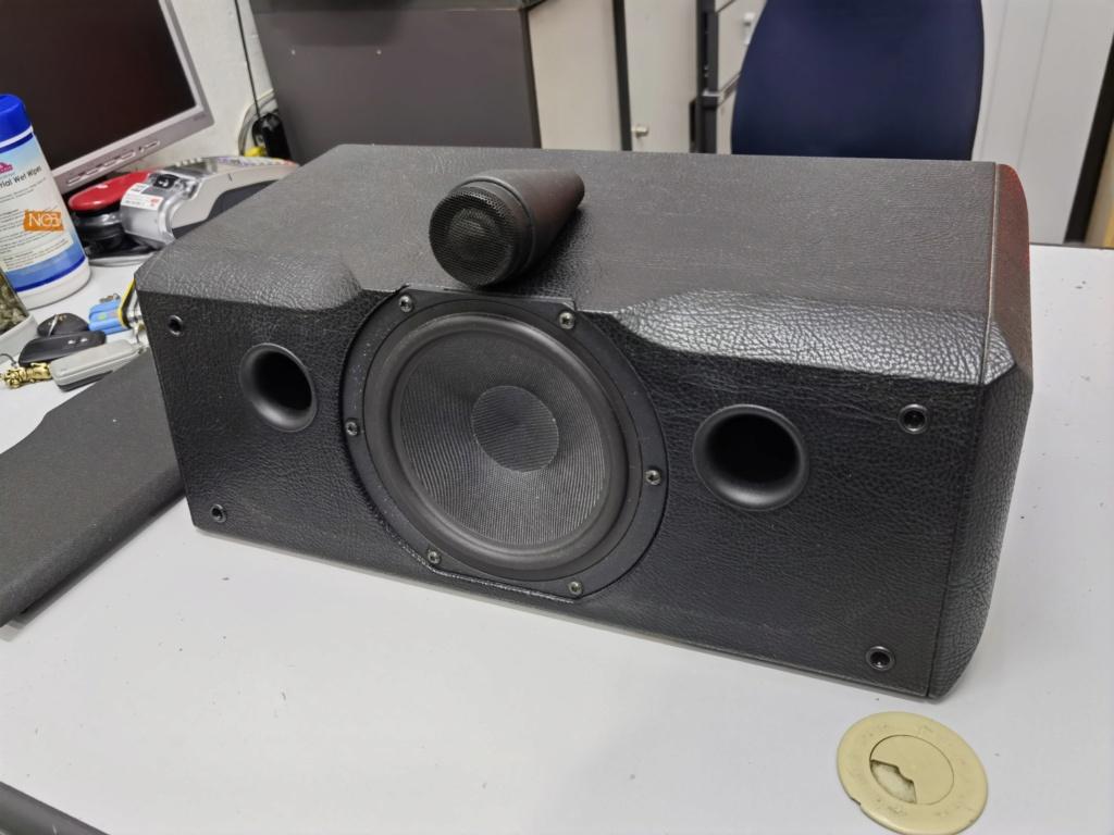 Sonus faber solo canter speaker (used)  Img_2064