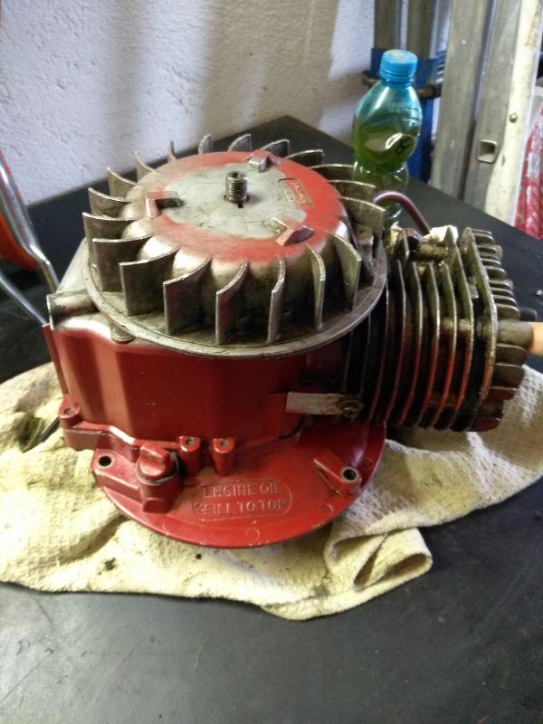Info motore vecchio rasaerba Toro B12
