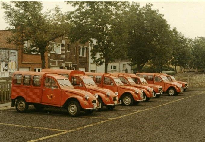 Photos et cartes postale 2cv camionnette  - Page 13 1_belg10