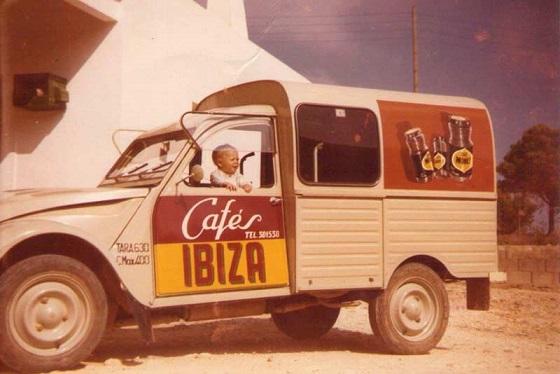Photos et cartes postale 2cv camionnette  - Page 11 1_cafz10