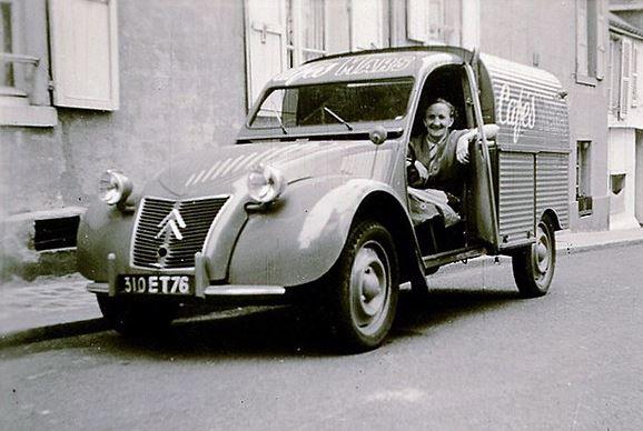 Photos et cartes postale 2cv camionnette  - Page 13 Cafzos12