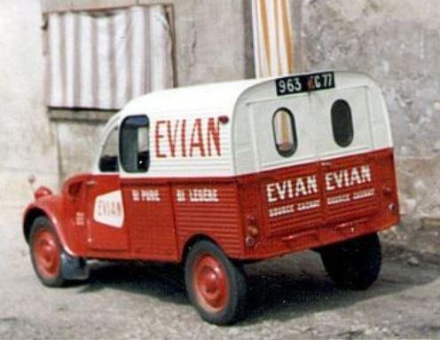 Photos et cartes postale 2cv camionnette  - Page 12 Evian_10