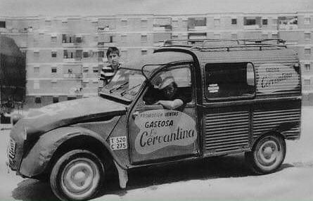 Photos et cartes postale 2cv camionnette  - Page 13 Gaseos10