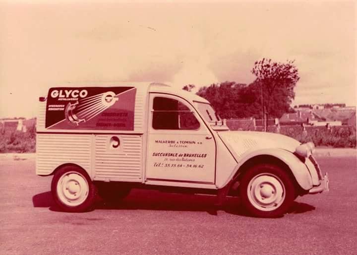 Photos et cartes postale 2cv camionnette  - Page 10 Glyco10